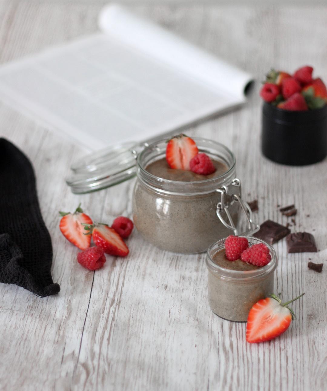 terveellinen herkku, vegaaninen proteiinivanukas, suklaavanukas