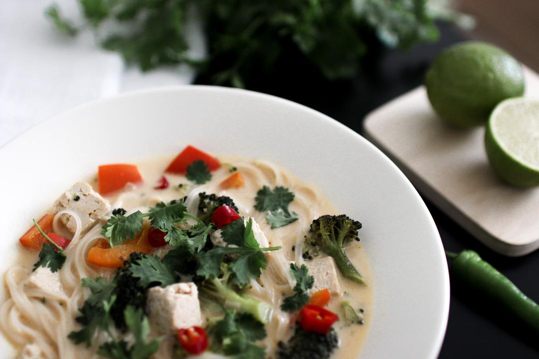 vegaaninen thaikeitto