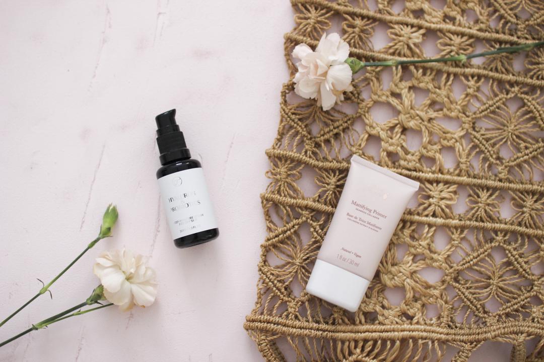 Flow Cosmetics -seerumi ja 100 % pure -primeri